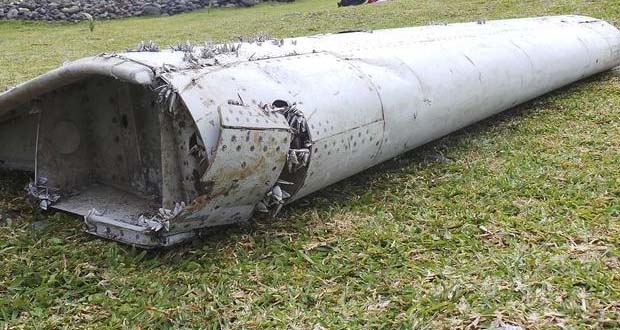 Photo of Hallan posibles restos del avión desaparecido MH370