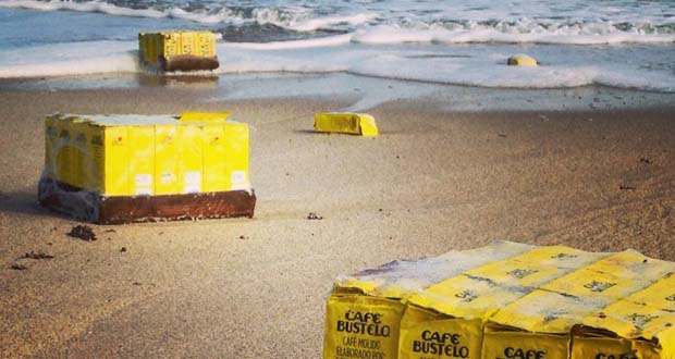 Photo of Aparecen miles de latas de café en playa de Florida