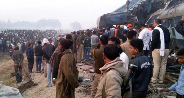 Photo of Al menos 138 muertos al descarrilar tren en la India