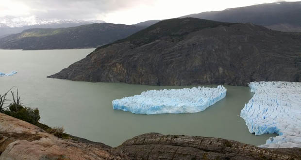 Photo of Se desprende el milenario glaciar Grey en Chile