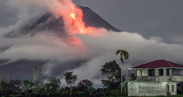 Photo of Se registra una fuerte erupción en un volcán de Indonesia