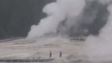 Photo of Una fuente termal de Yellowstone entra en erupción